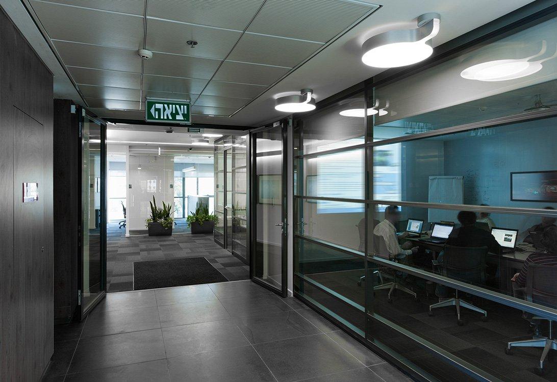 תכנון משרדים בסגנון מודרני ל GM