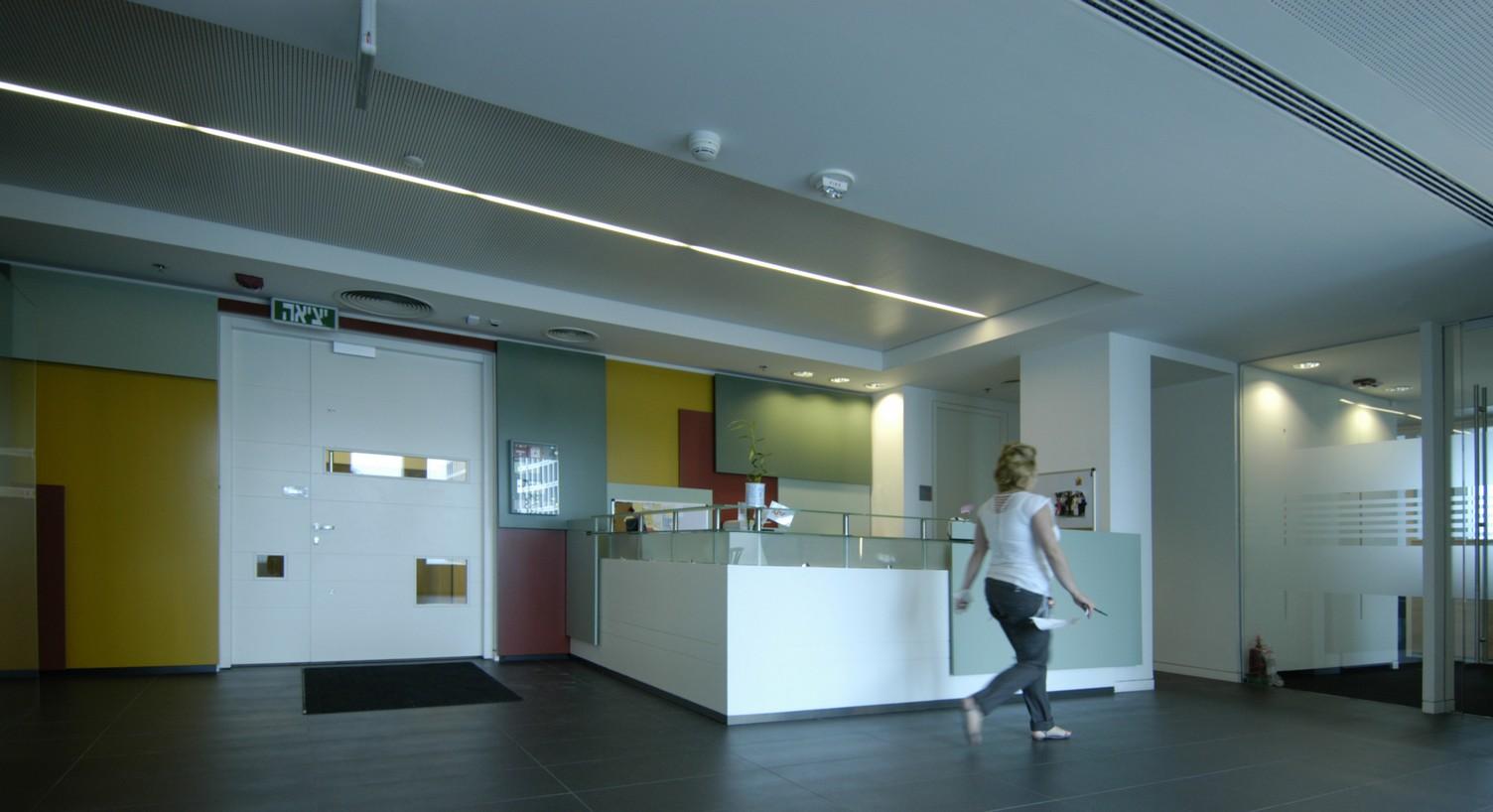 DSC_0077-xiv-entrance lobby