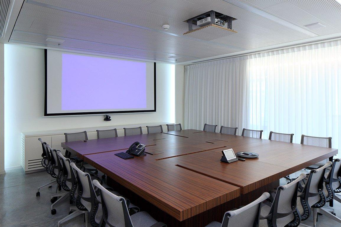 תכנון חדר ישיבות בחברת טליט