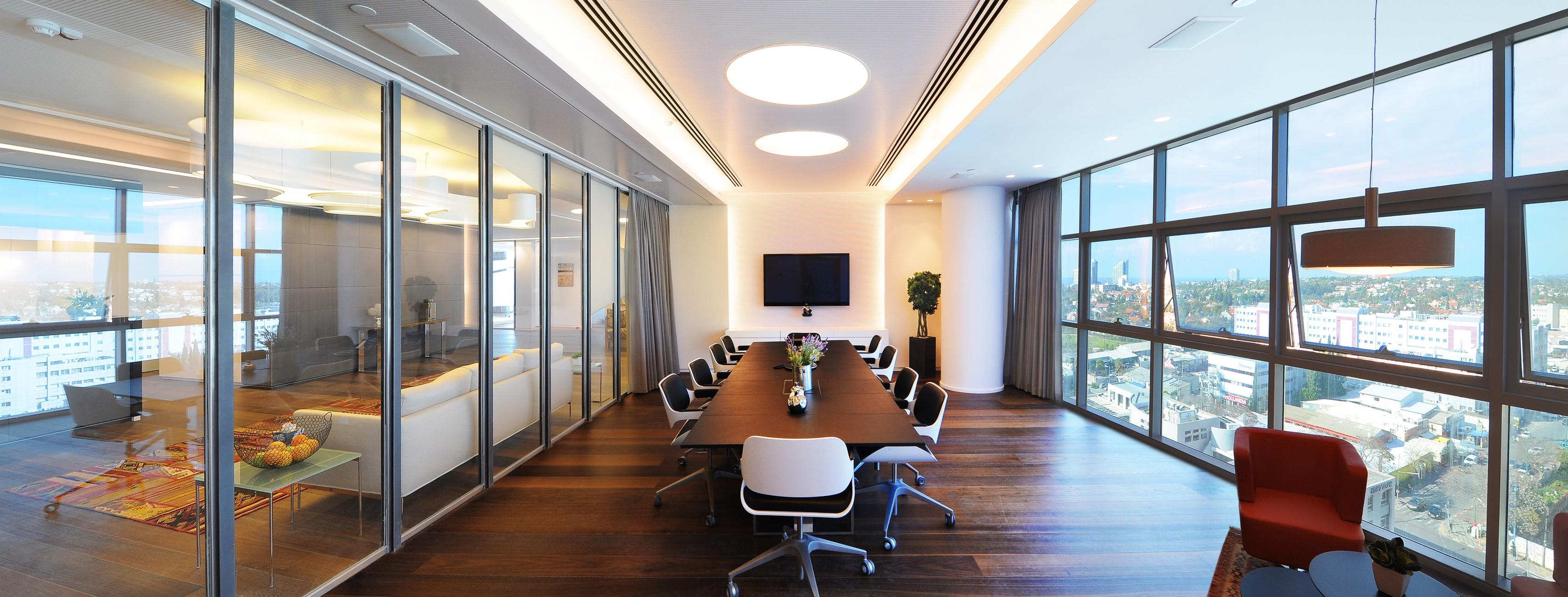 תכנון ועיצוב חדר הישיבות בגלובל וילג