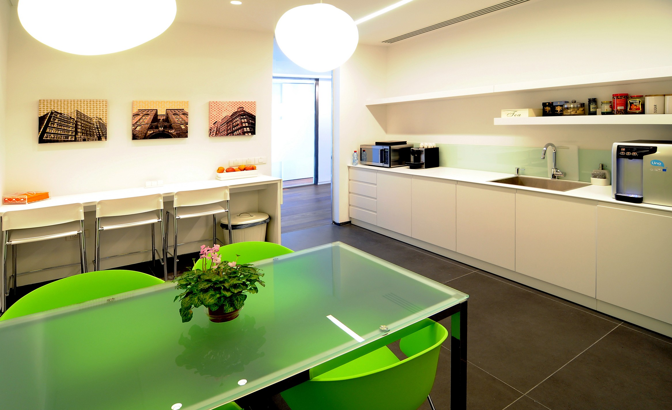 עיצוב ותכנון של חדר האוכל בגלובל וילג